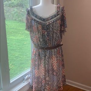 American Rag Cie pattern dress with belt on